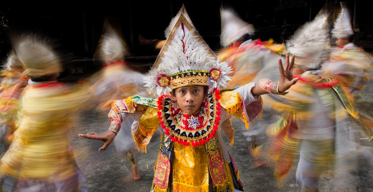 18 Travel Photos That Capture Tradition Around the World