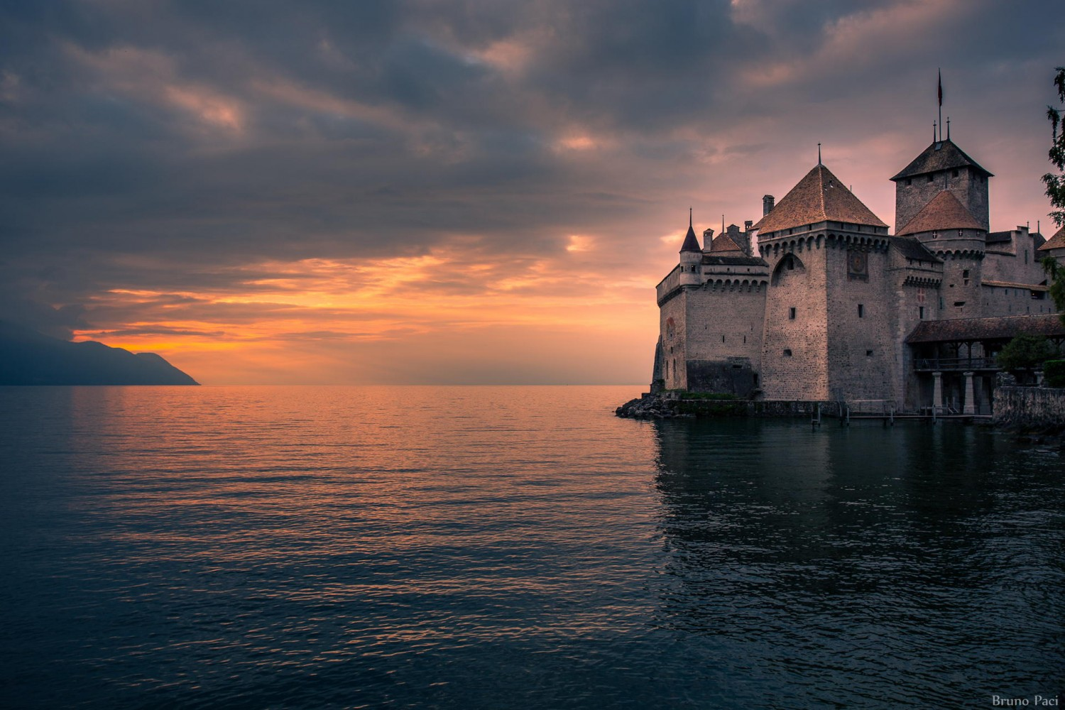 29 Dreamy Castles Around The World That Will Leave You Enchanted