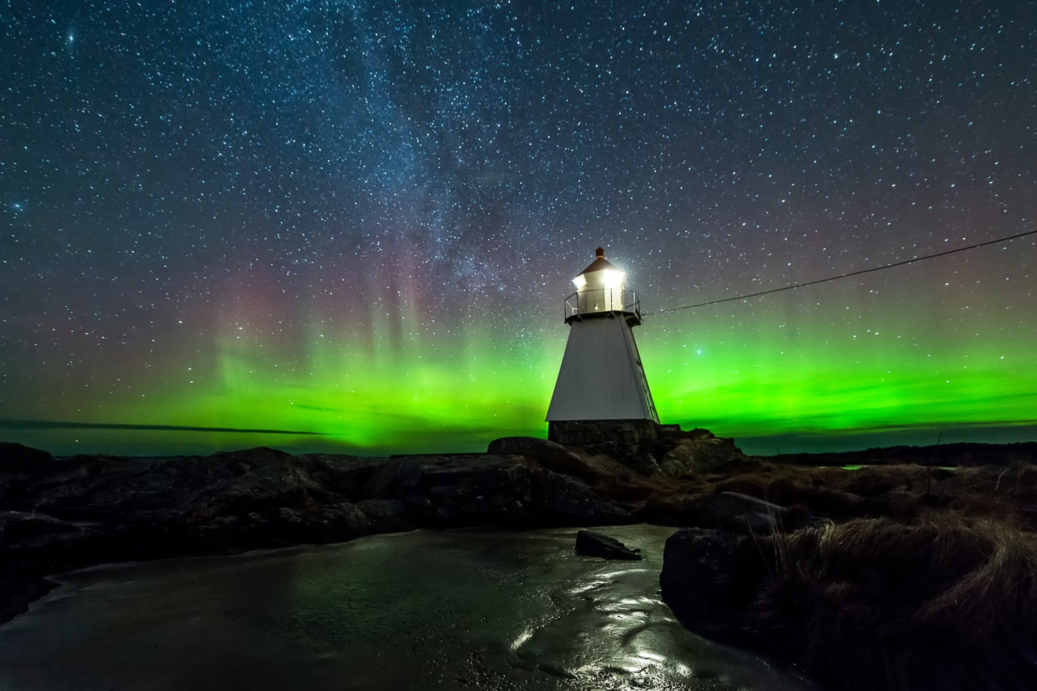 Watch The Northern Lights Come To Life In This Dramatic Timelapse