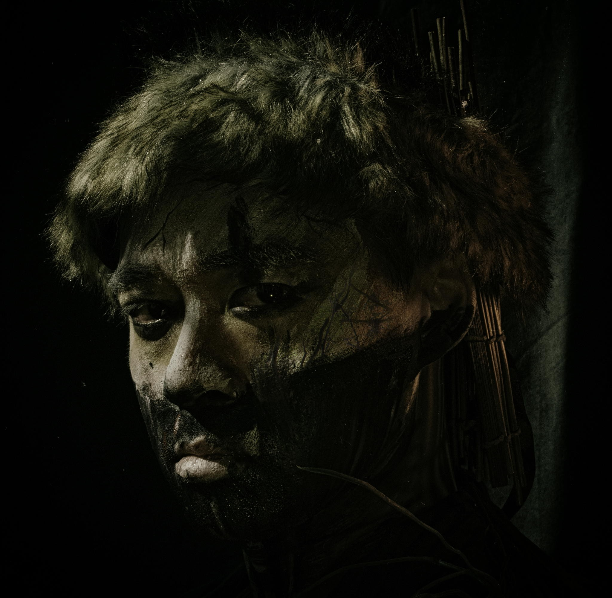 How To Create Gritty And Dark Warrior Portraits With LED Lighting