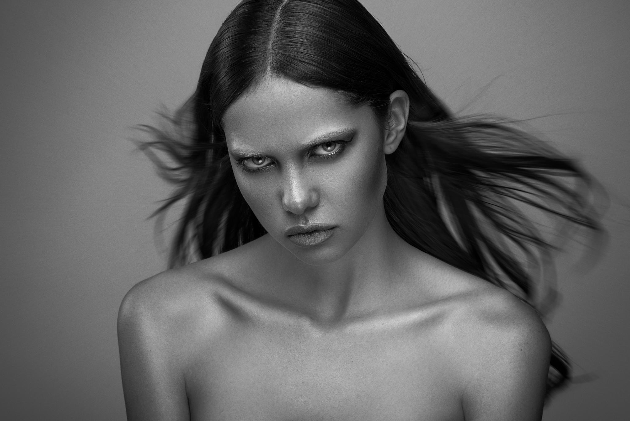 Video: 500px Interviews Portrait Photographer Michael Woloszynowicz