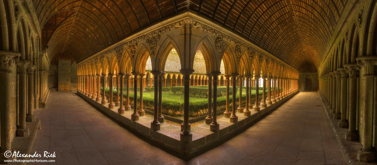 Weekly Contest: 30 Images That Capture Symmetry + New Theme