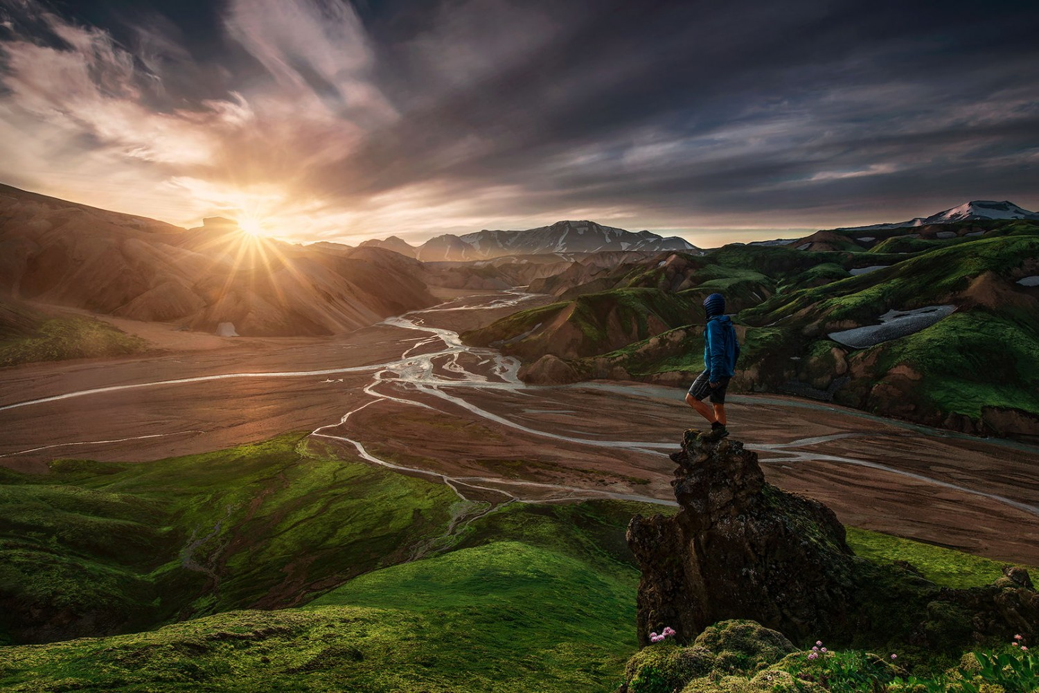 45 Scenic Self-Portraits That Will Take You Places