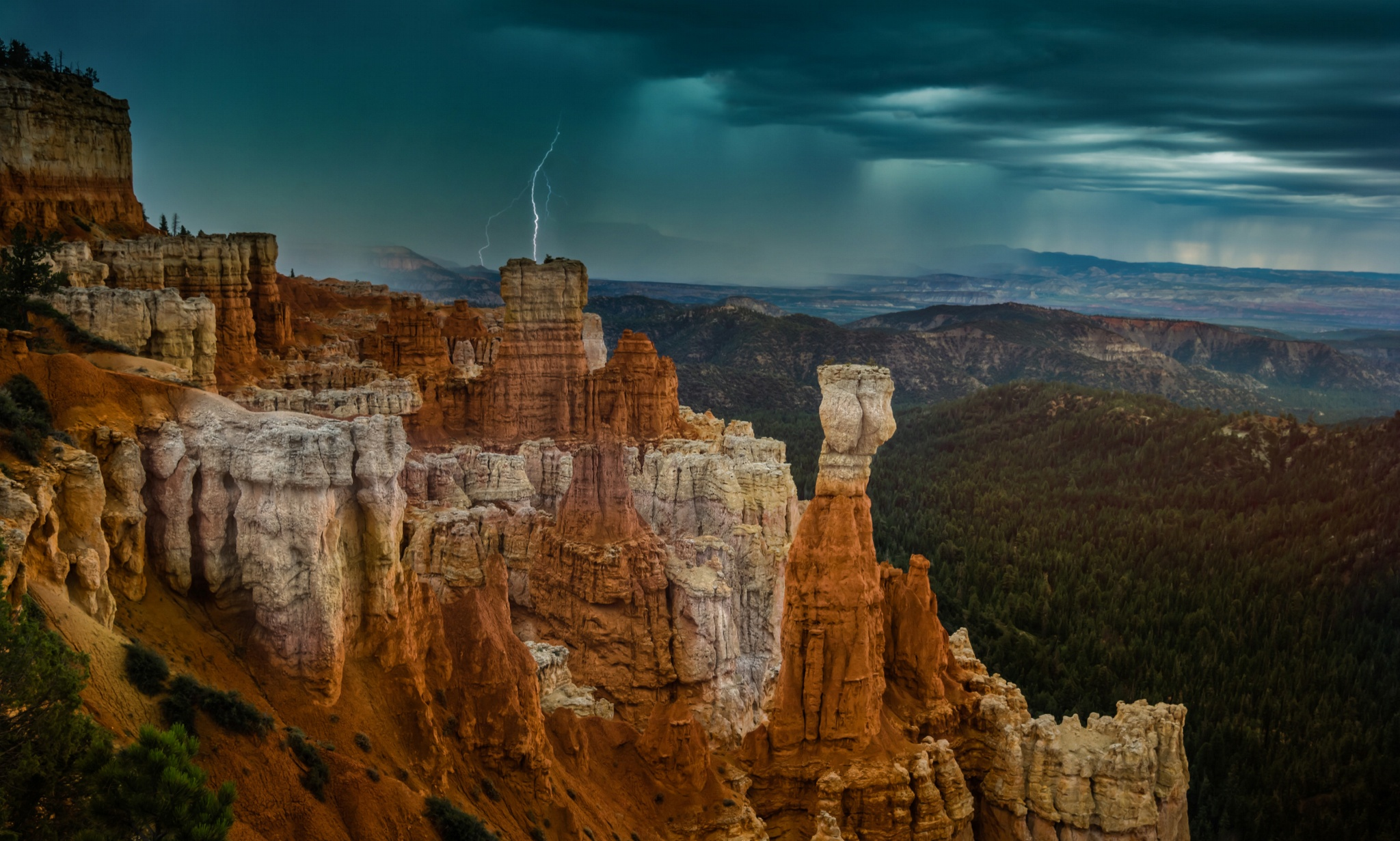 Browse Guest Editor Trey Ratcliff's Favorite Photos On 500px & Visit The Arcanum