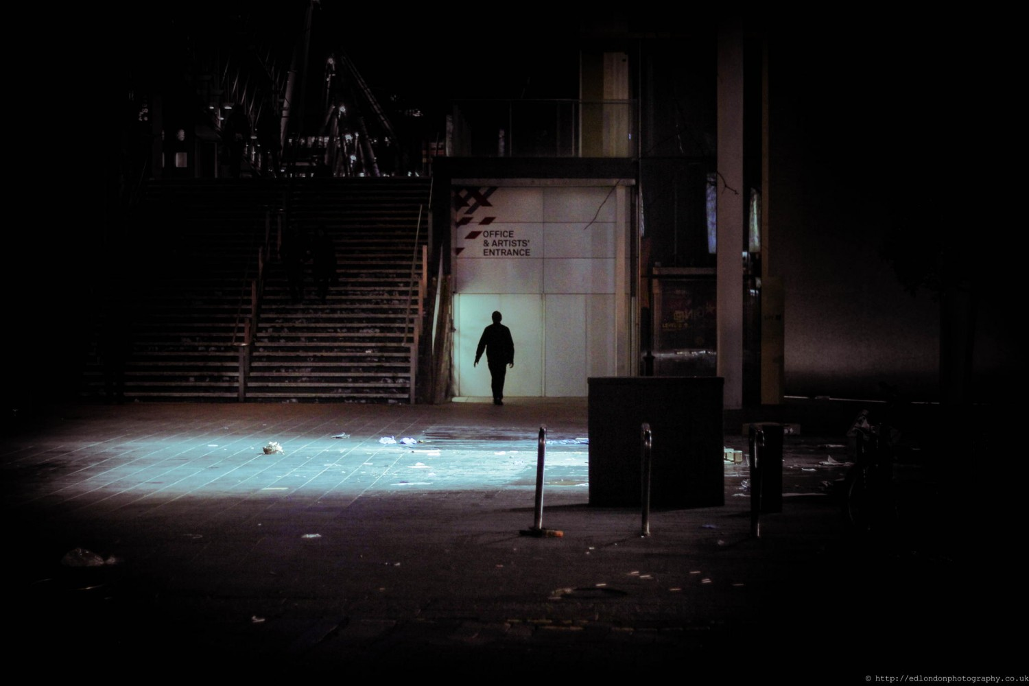 This Photographer Captures Moody Street Photos Of London After Dark