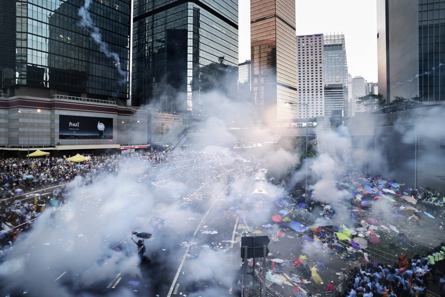 40 Gripping Photos Of The Civil Unrest In Hong Kong