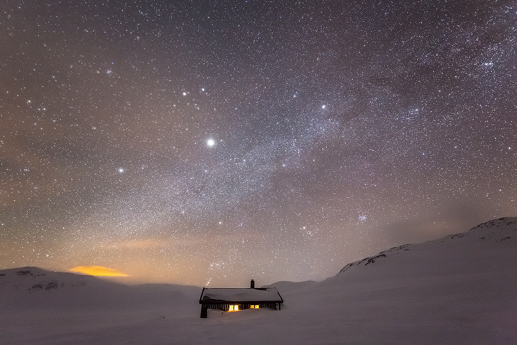 Meet The Photographer Behind The Milky Way Wallpaper On Your iPhone 6