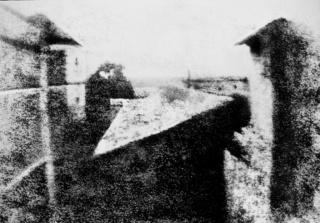 View from the Window at Le Gras, Joseph Nicéphore Niépce - Public Domain