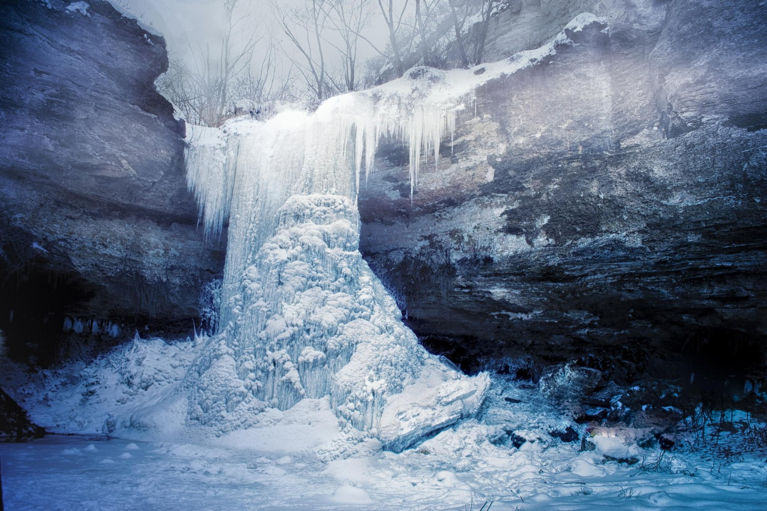 30 Fantastic Images Of Frozen Waterfalls Around The World