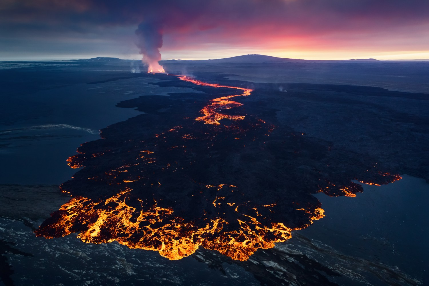 Tips & Gear For Photographing Volcanoes & Lava Flow