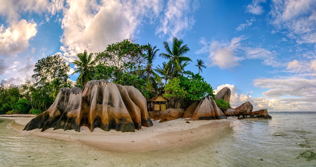 Anse Source d'argent beach, La Digue, Seychelles.