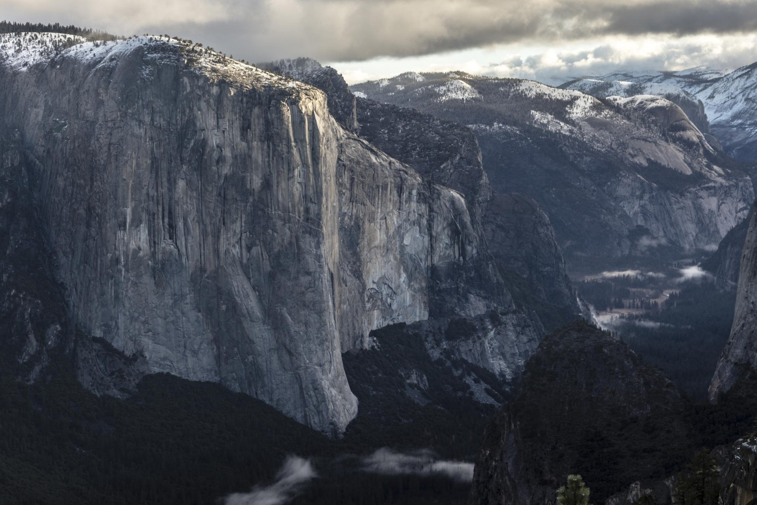 27 Jawdropping Photos of El Capitan to Put Tommy Caldwell and Kevin Jorgeson's Record-Setting Free Climb in Perspective