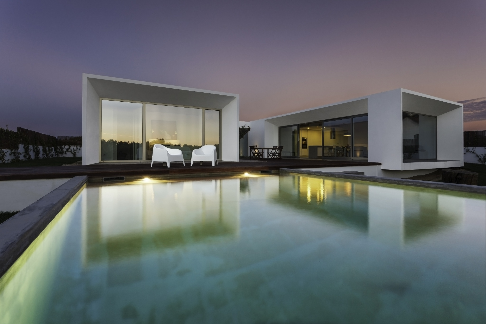 Modern House With Garden Swimming Pool And Wooden Deck 500px