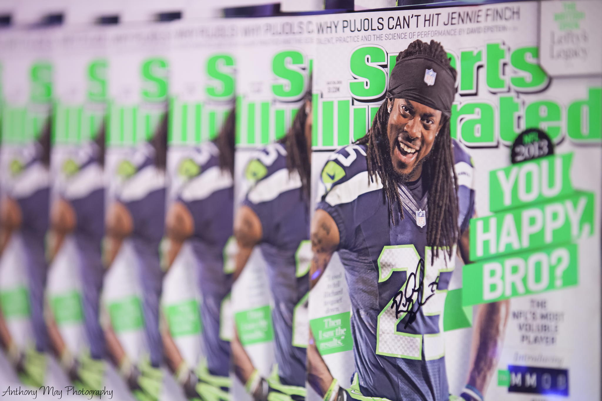 News Roundup: Sports Illustrated Fires All Its Staff Photographers, World's Largest Stop-Motion GIF, and More