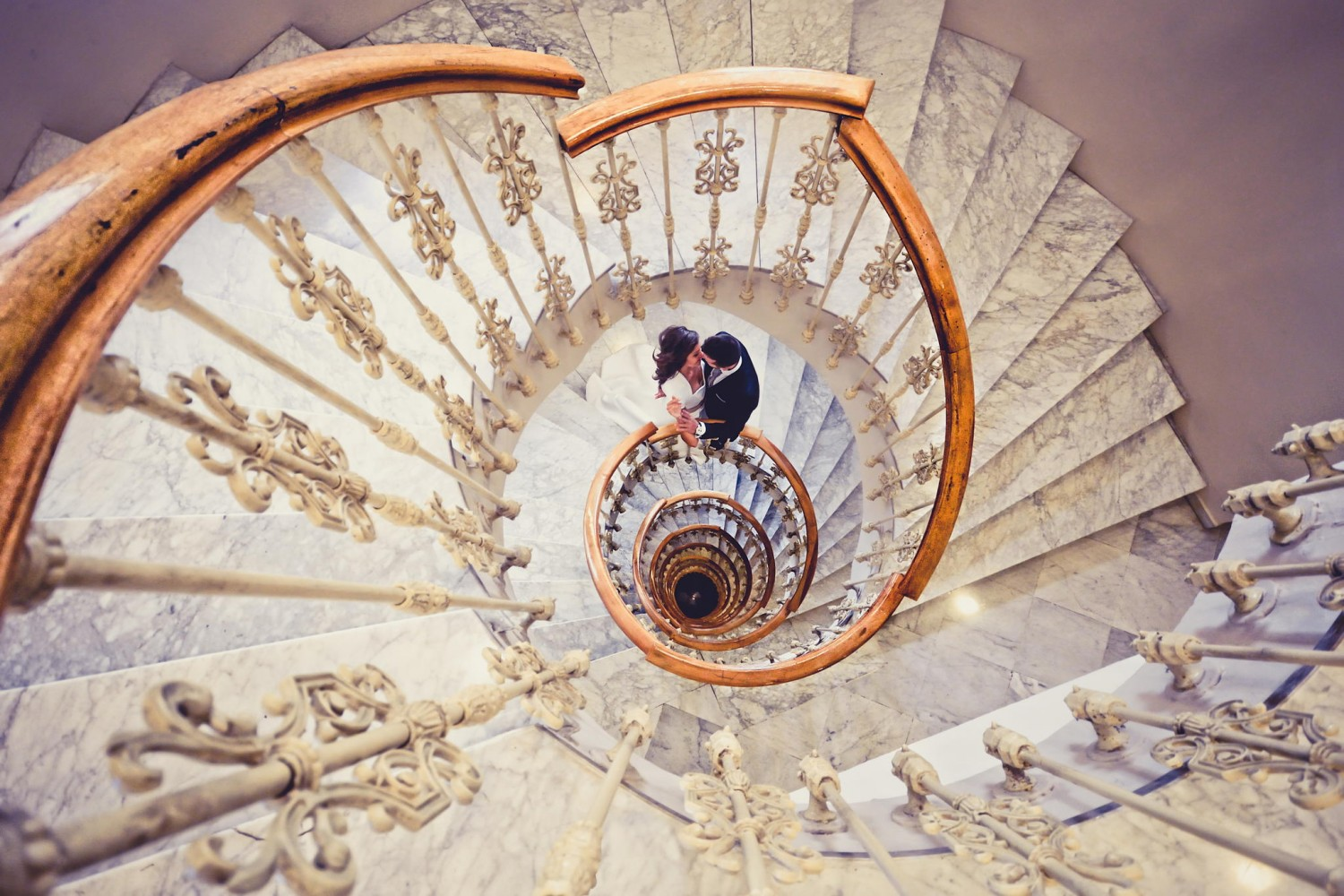 25 Wedding Photos to Touch and Inspire You