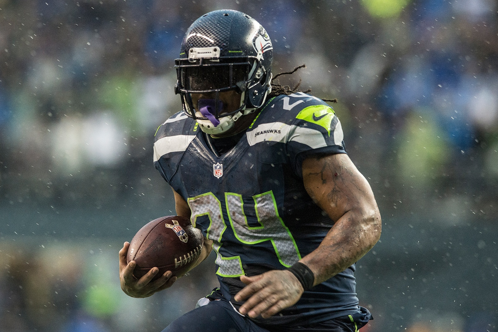 49 Exhilarating Football Photos to Get you Psyched for Super Bowl XLIX