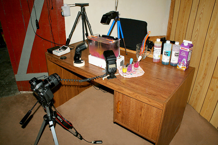 Setup 4. The setup I use for my liquid flow images and also the ones where the mushroom type drop is on top of the surface, with the delayed flash on the flow underneath. You can see I need both hands so I use the shutter button as a foot pedal.