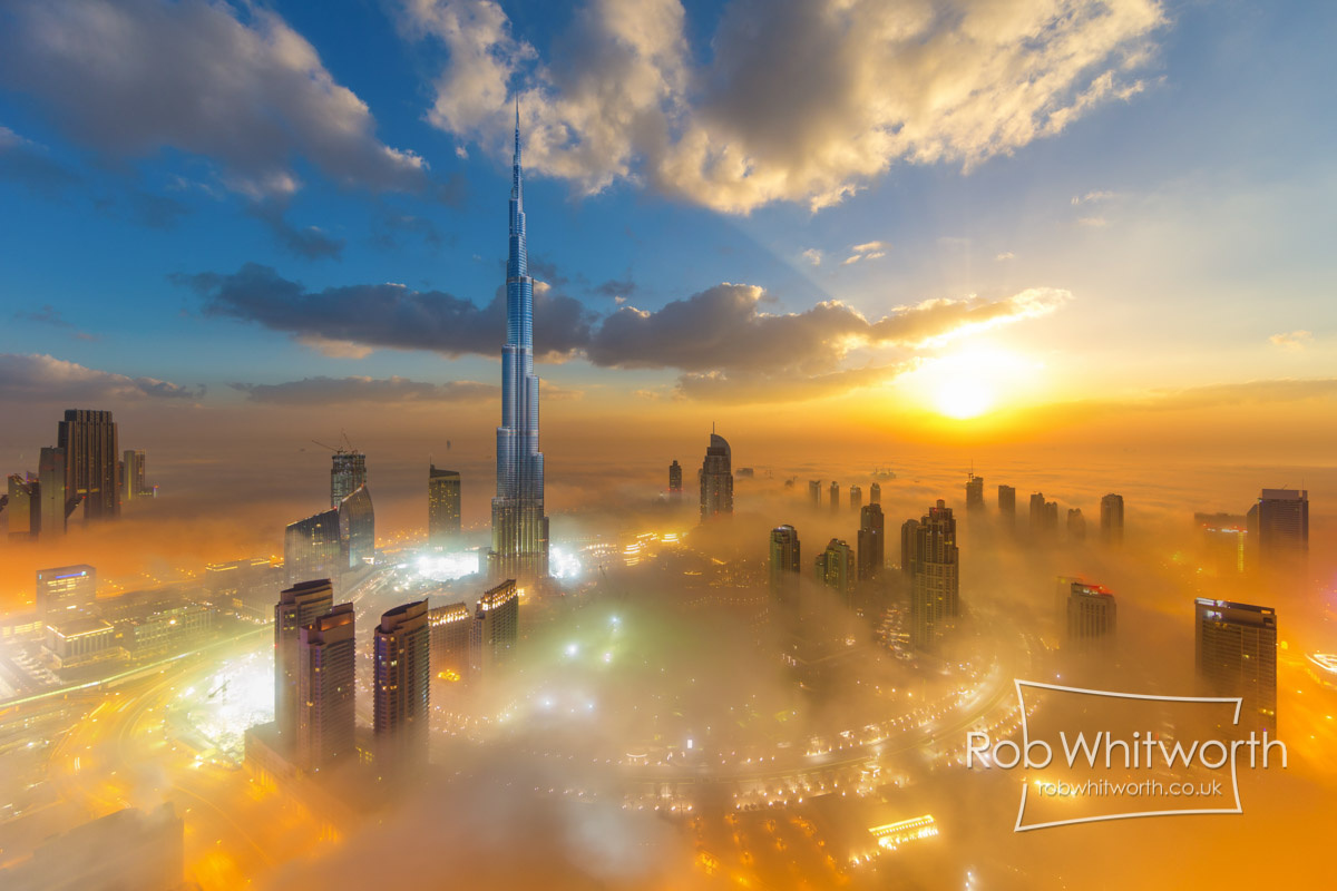 'Flow Motion' Hyperlapse Takes You On a Mind-Bending Journey Through Dubai