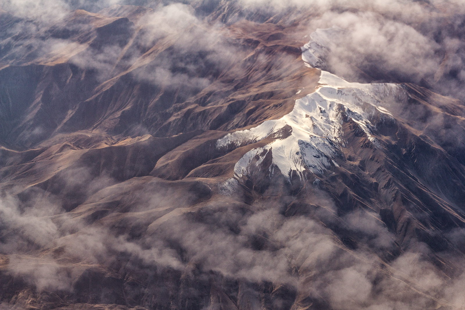 35 Amazing Views Captured from an Airplane Window Seat