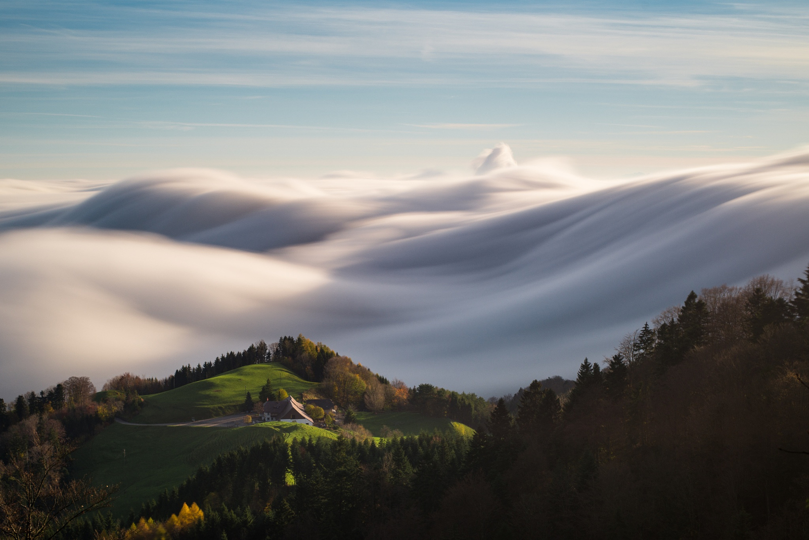 30 Beautiful Landscapes Draped in Fog