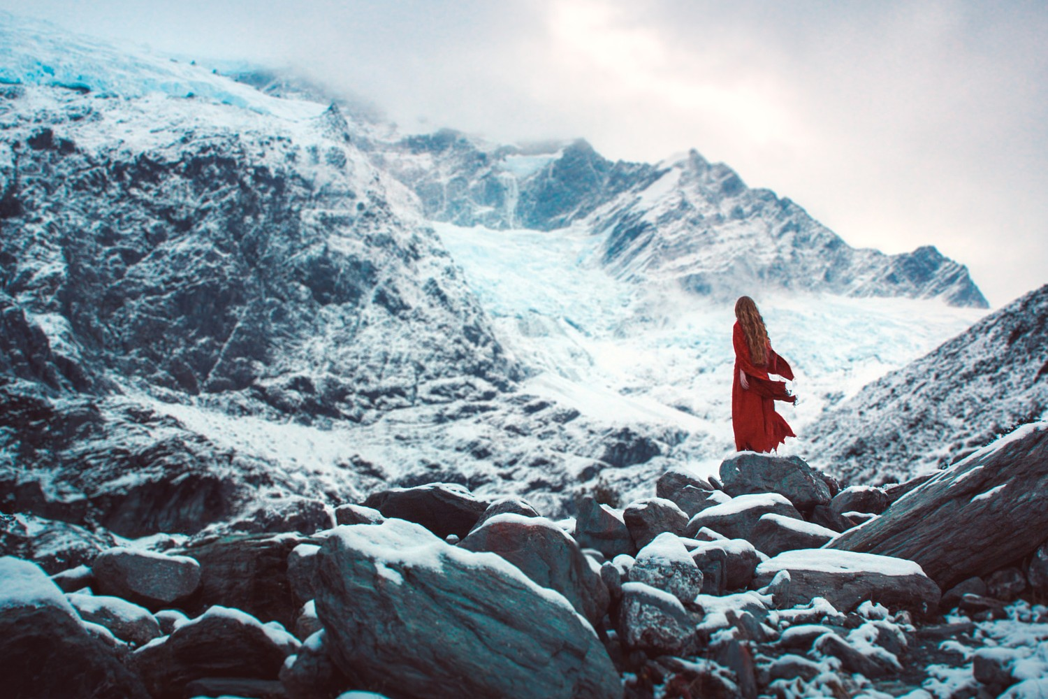 22 Amazing Outdoor Portraits by 22-Year-Old Lizzy Gadd