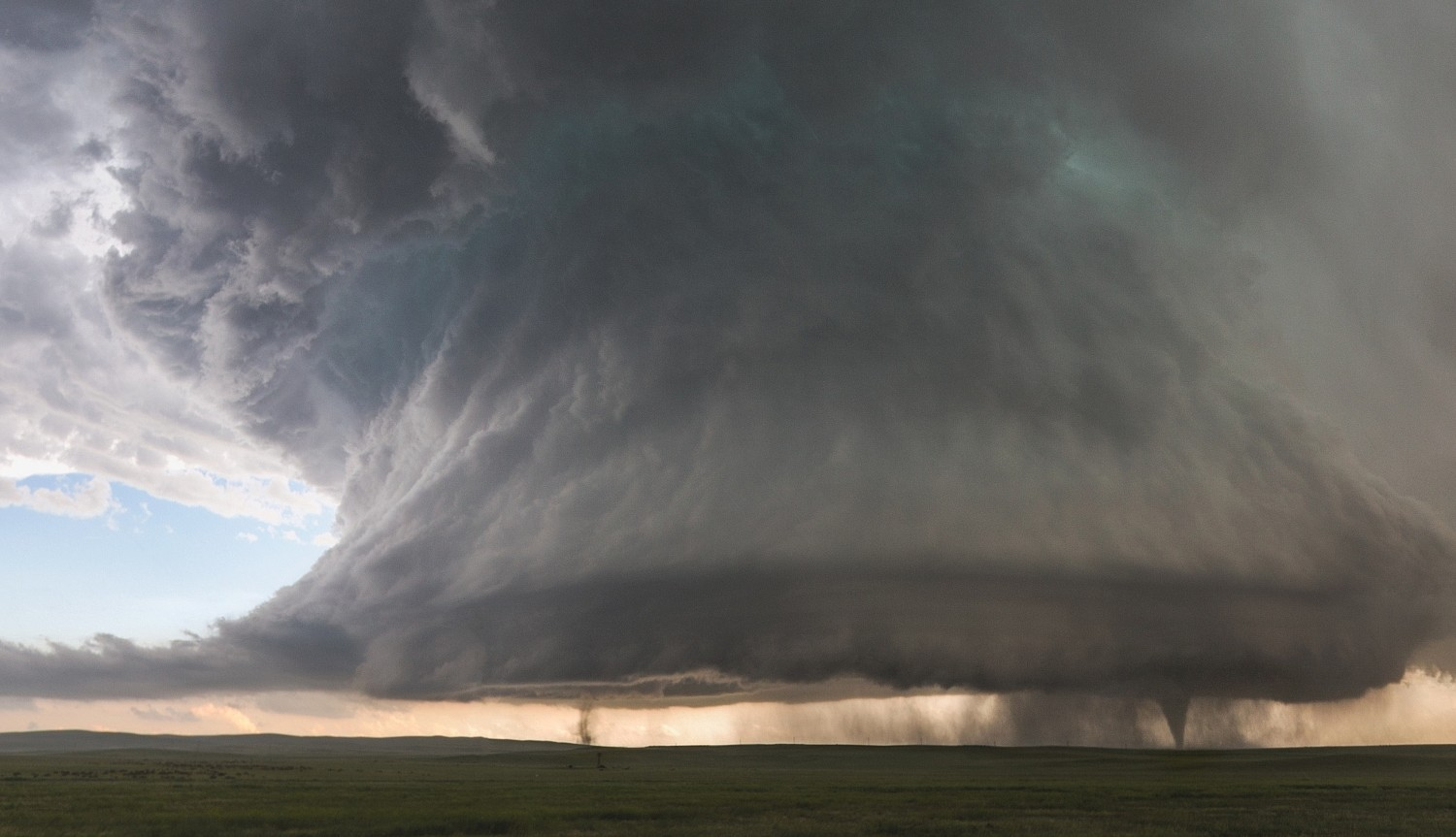 Storm Chaser Kelly DeLay Just Captured the Shot of a Lifetime