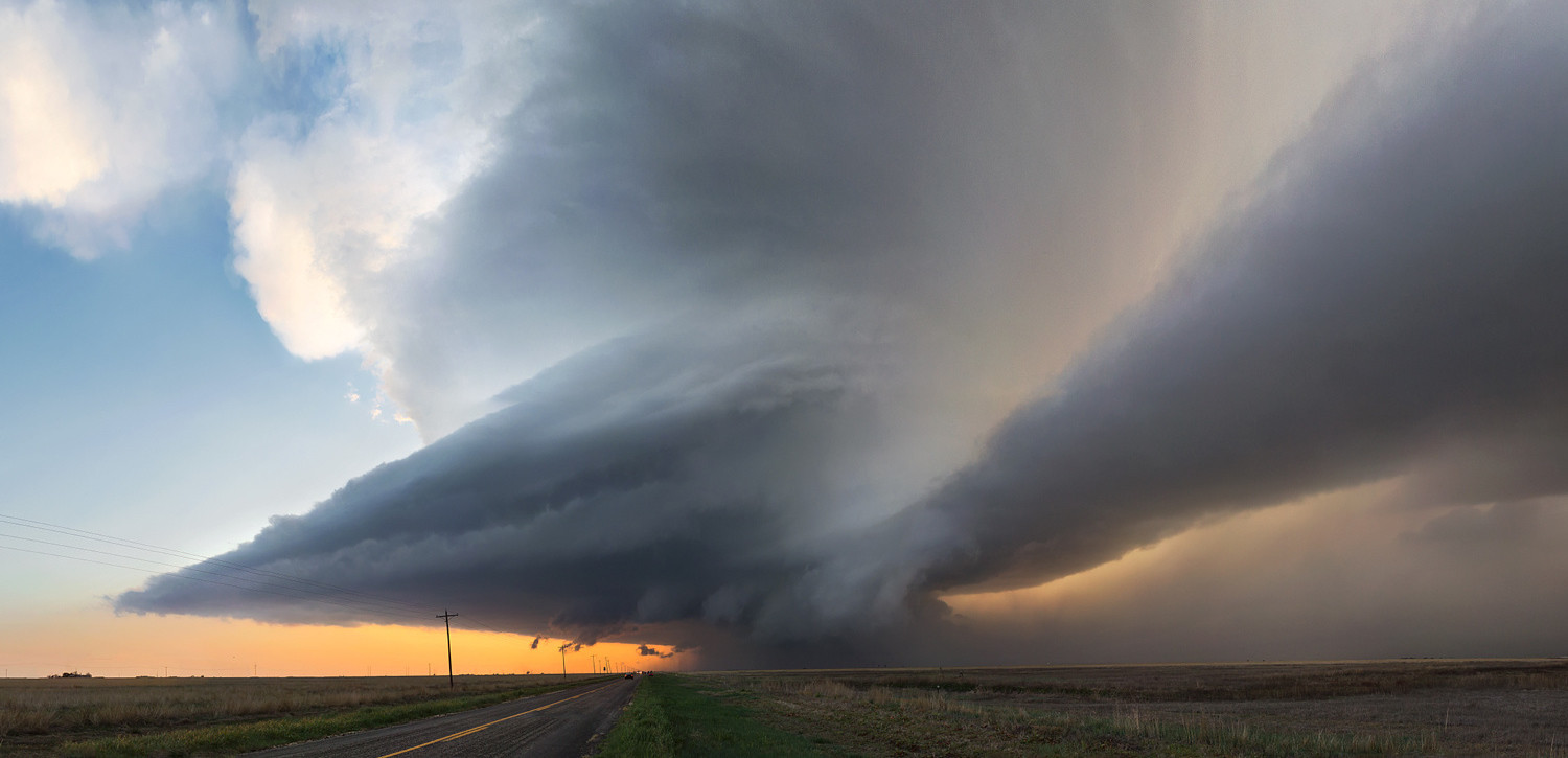 15 Awe-Inspiring Supercells Shot by Storm Chaser Kelly DeLay