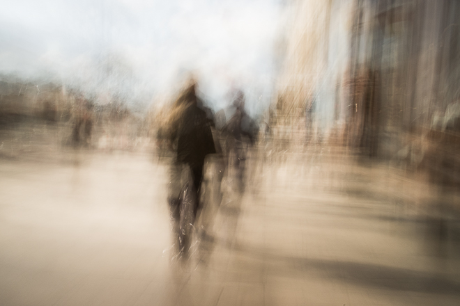 Dreamy Abstract Street Photos Capture the Look & Feel of Fading Memories