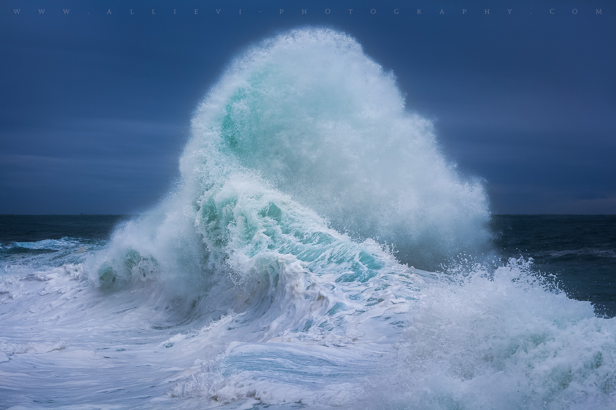 Making Waves: Using Burst to Capture the Perfect Wave Photo