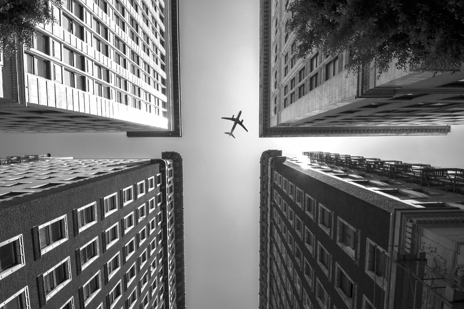 Airplanes and Architecture: A Match Made in Photo Heaven