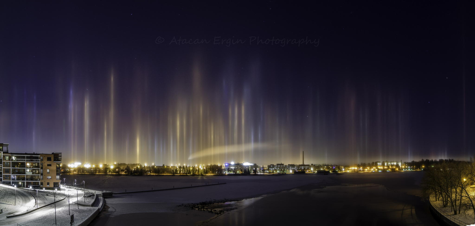 Beam Me Up Scotty! 15 Photos of the Light Pillar Phenomenon