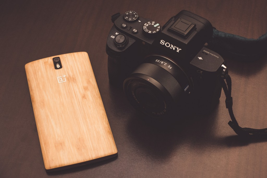 My OnePlus One smartphone with the Bamboo StyleSwap Cover next to the Sony a7II