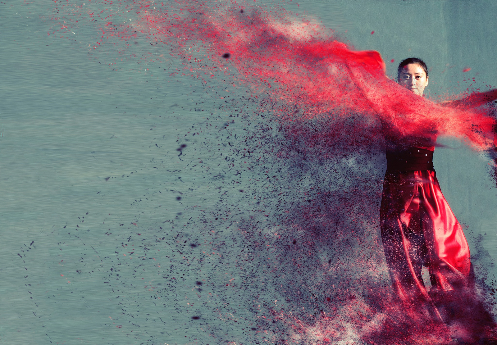 Eye-Popping Photos of Dancers Dissolving as They Move
