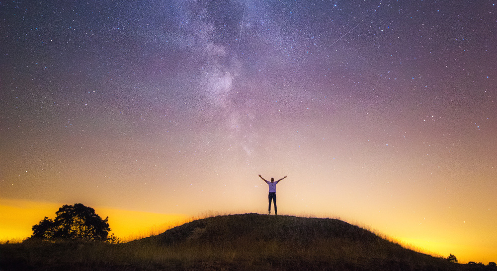 A Once-in-a-Lifetime Portrait with the Milky Way, a Meteor Shower, and the ISS