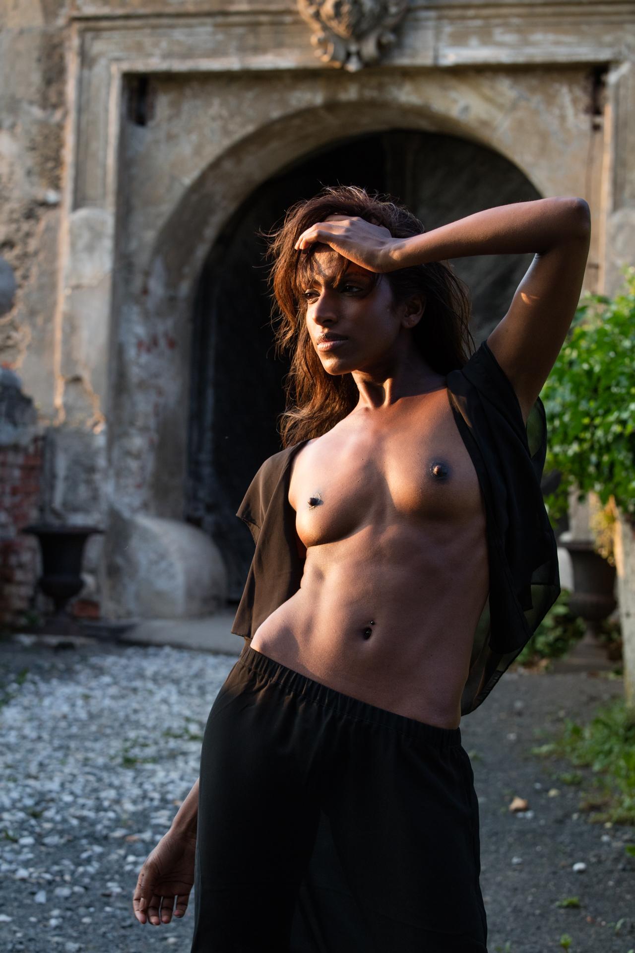 Nude photoshoot - COOPH_Greg_Gorman_010