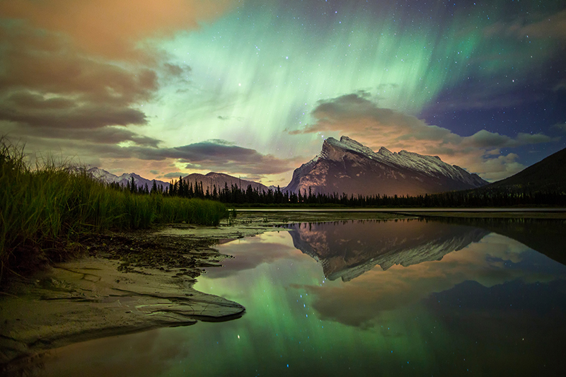 Northern Lights over Vermilion Lakes, Banff National Park, Alberta, Canada.