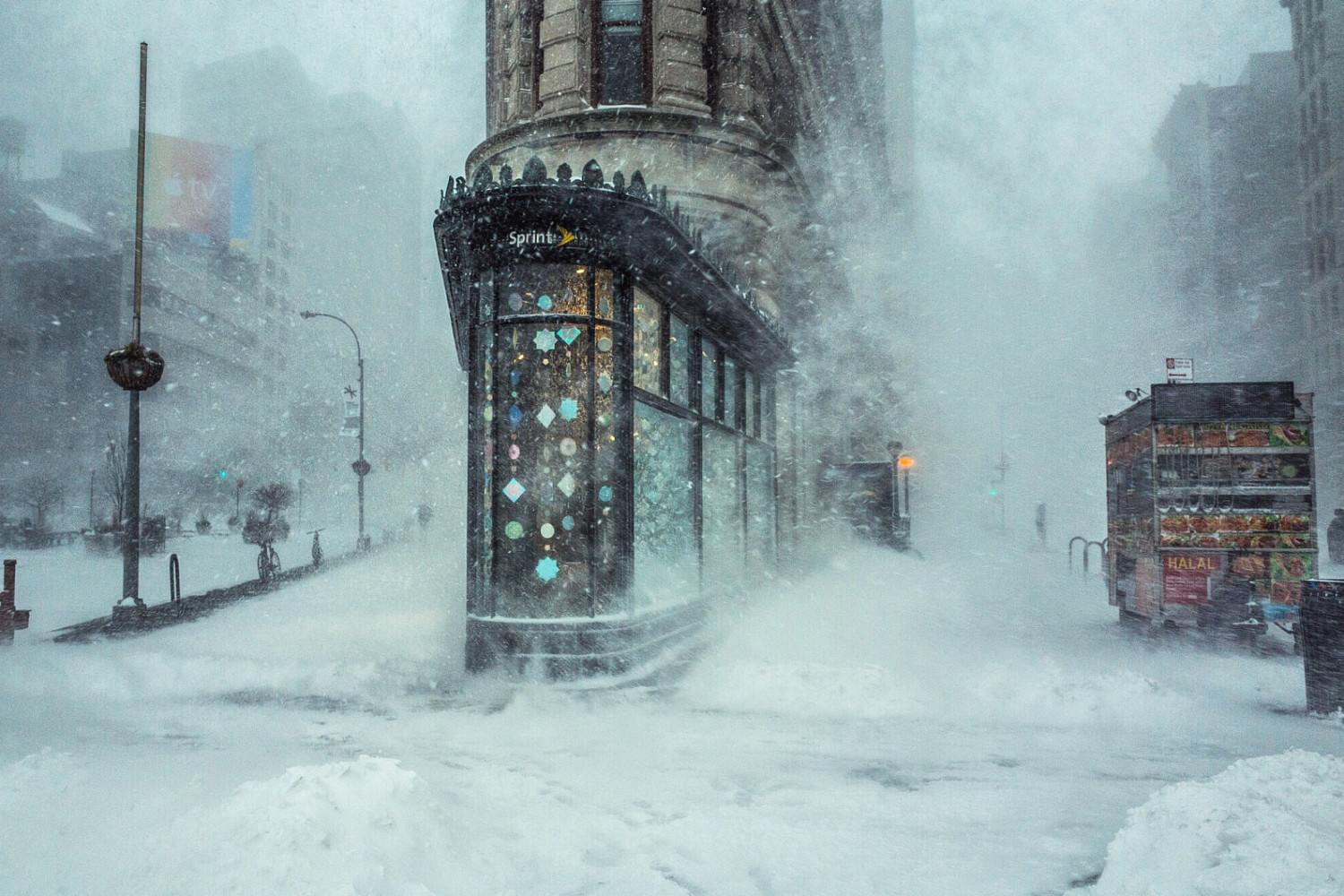 The Story Behind the Most Viral Photo from #Blizzard2016
