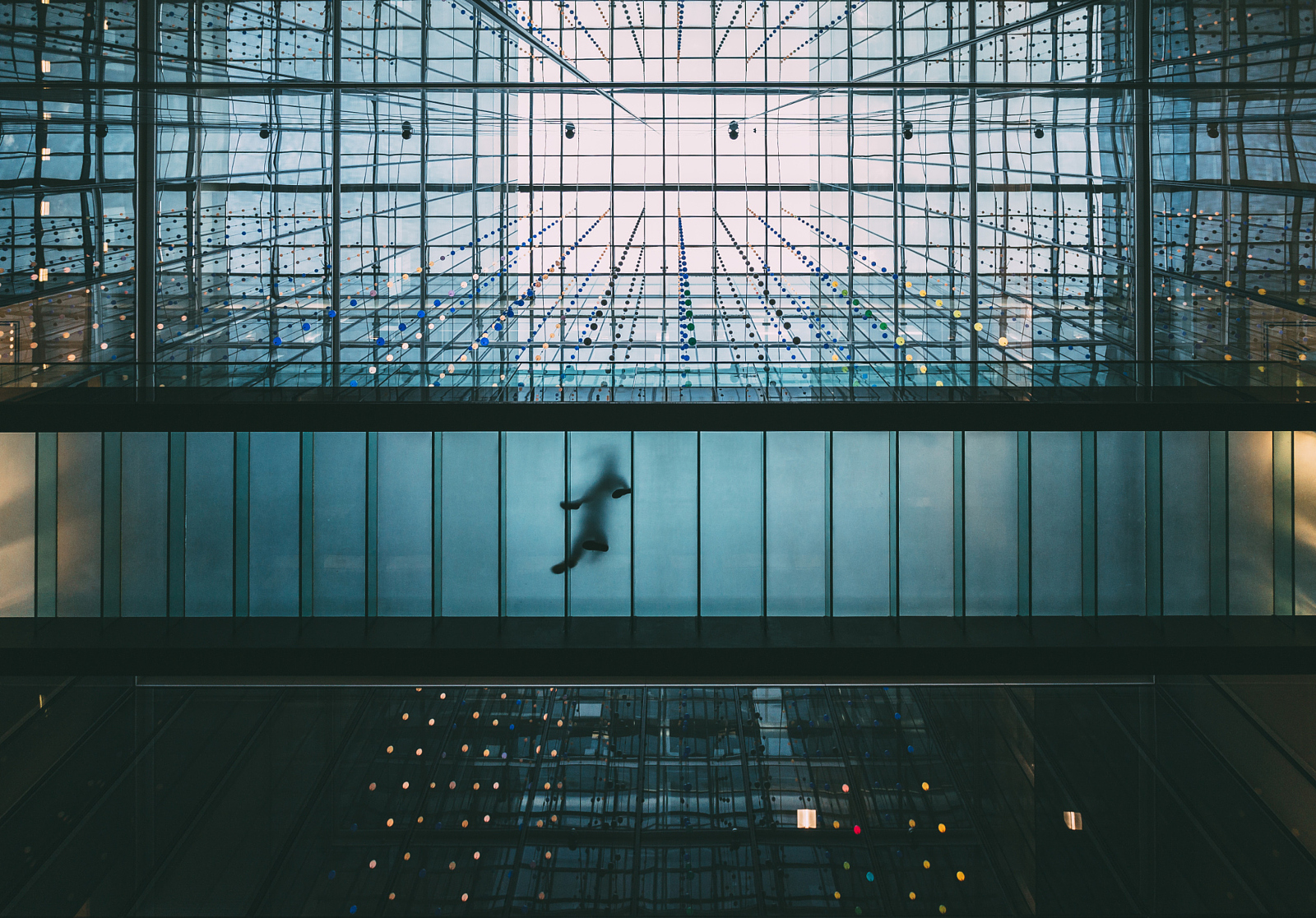 15 Beautiful Photos Captured by Simply... Looking Up