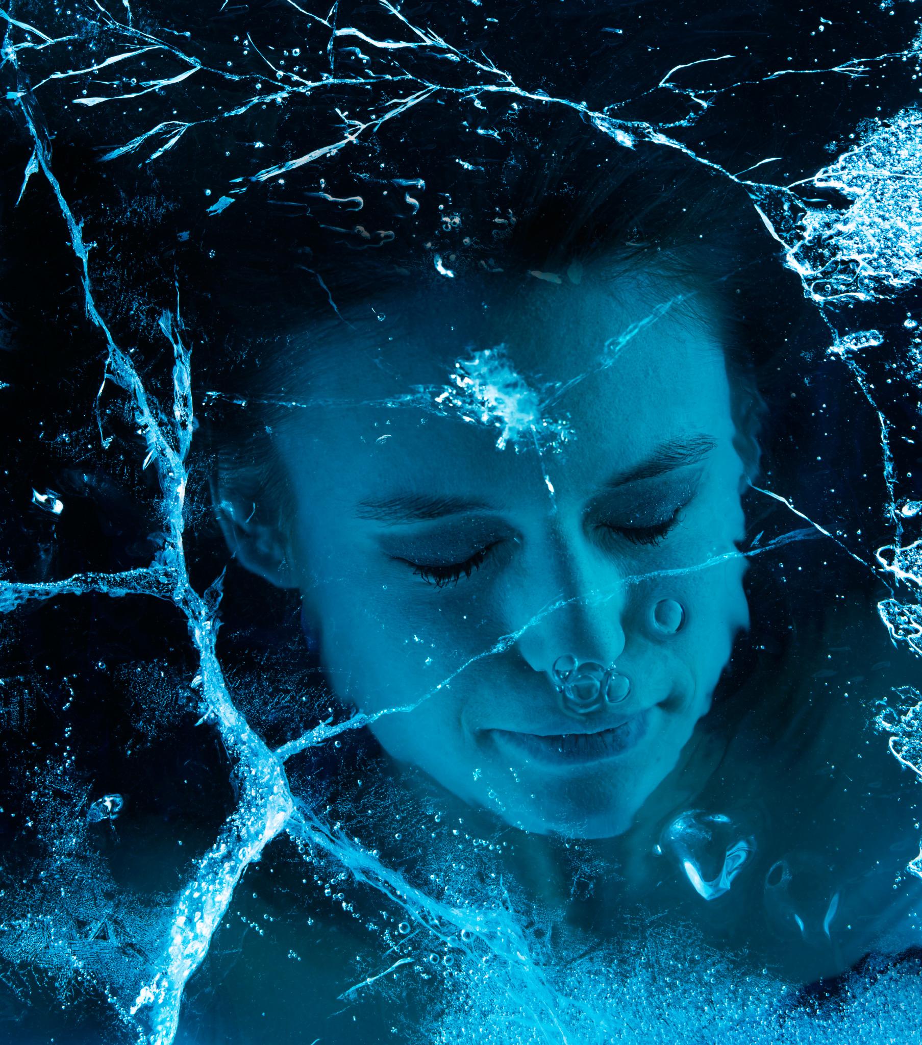 screen-broken-ice
