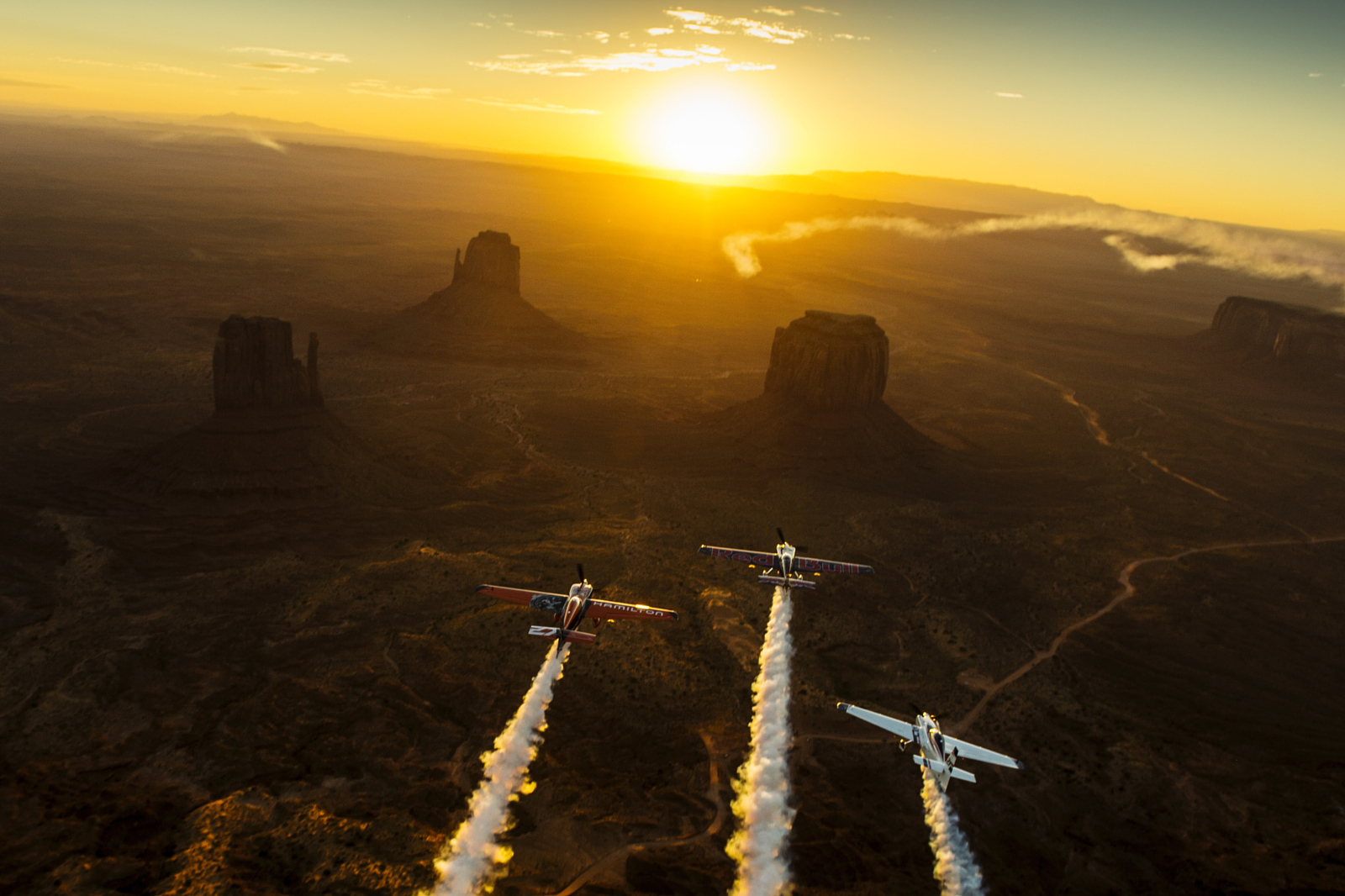 Pilots Fly Over Monument Valley in Epic Sunset Photo