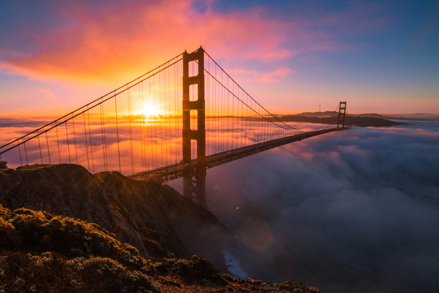 20 Sublime Photos Documenting A Day in the Life of the Golden Gate Bridge