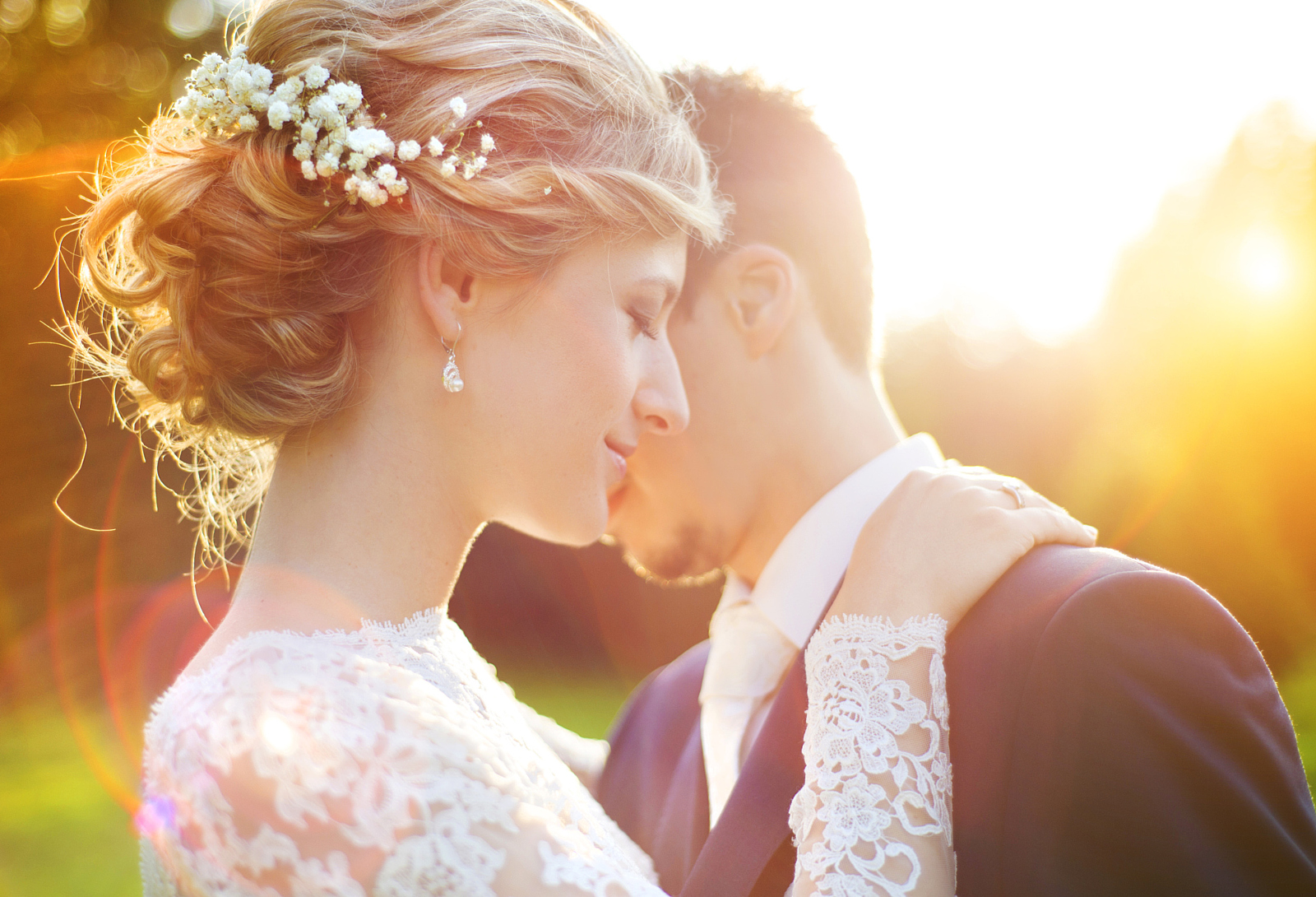 Simply Sellable: 4 Tips For Photographing Real Moments In Weddings
