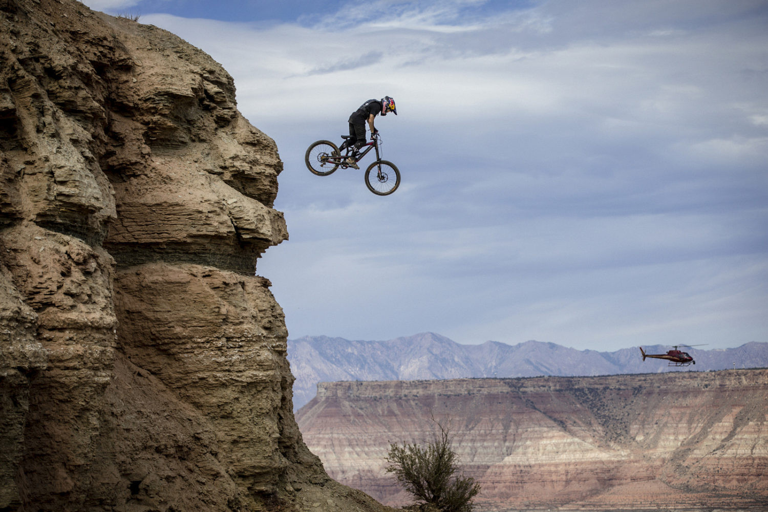 25 Powerful Photos Of Bikes Up In The Air To Excite Your Day