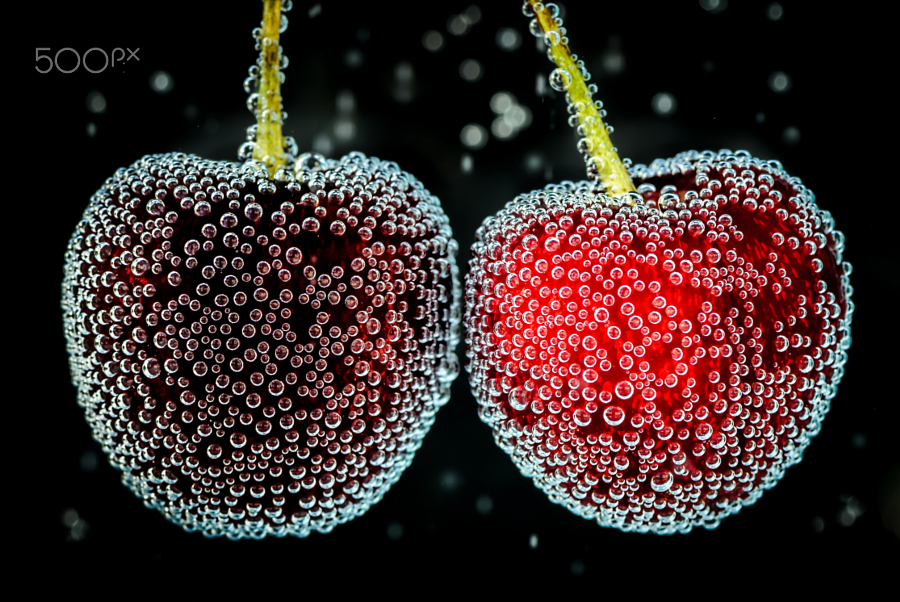 Cherries_with_bubbles