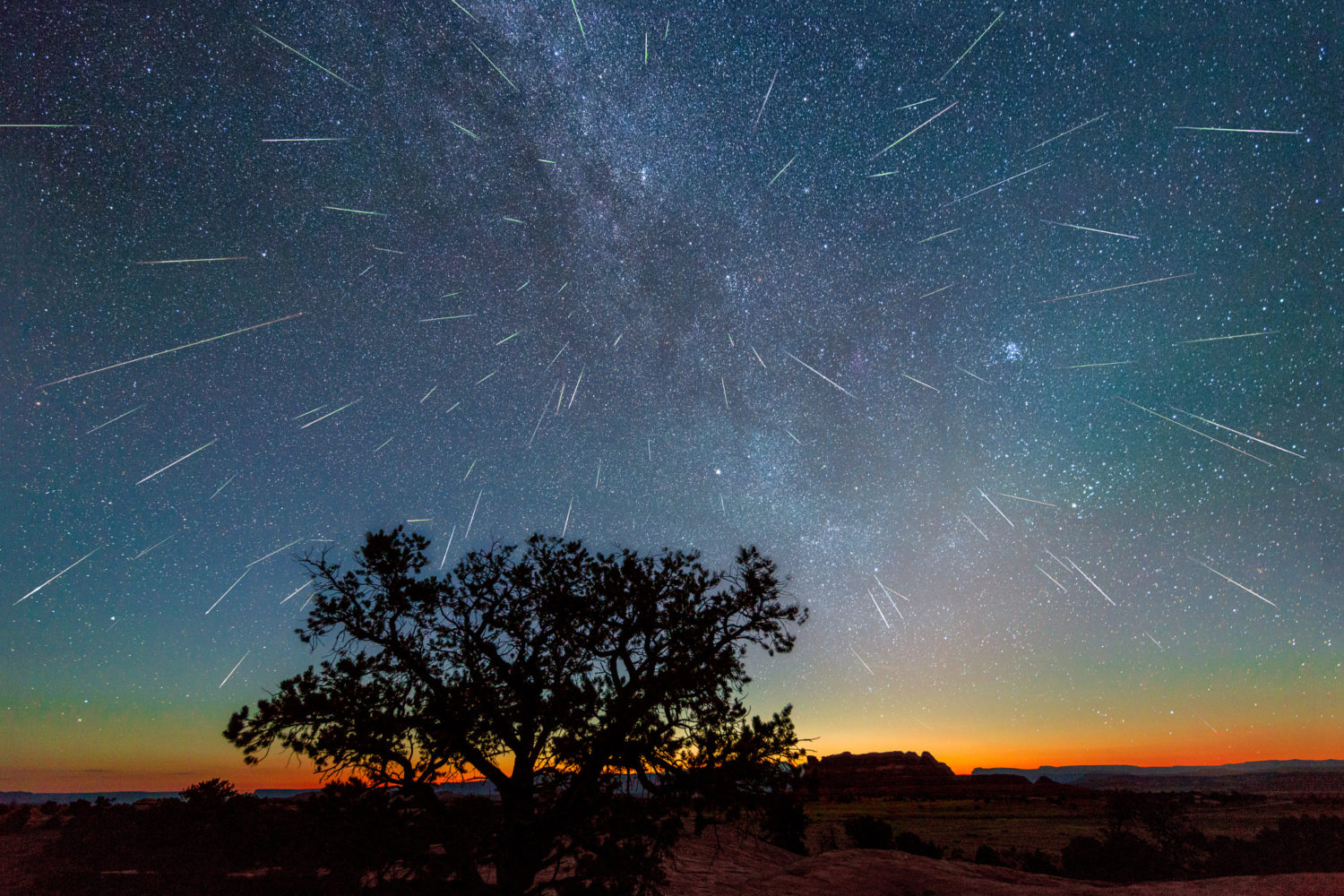 How to Watch the Year's Most Spectacular Meteor Shower