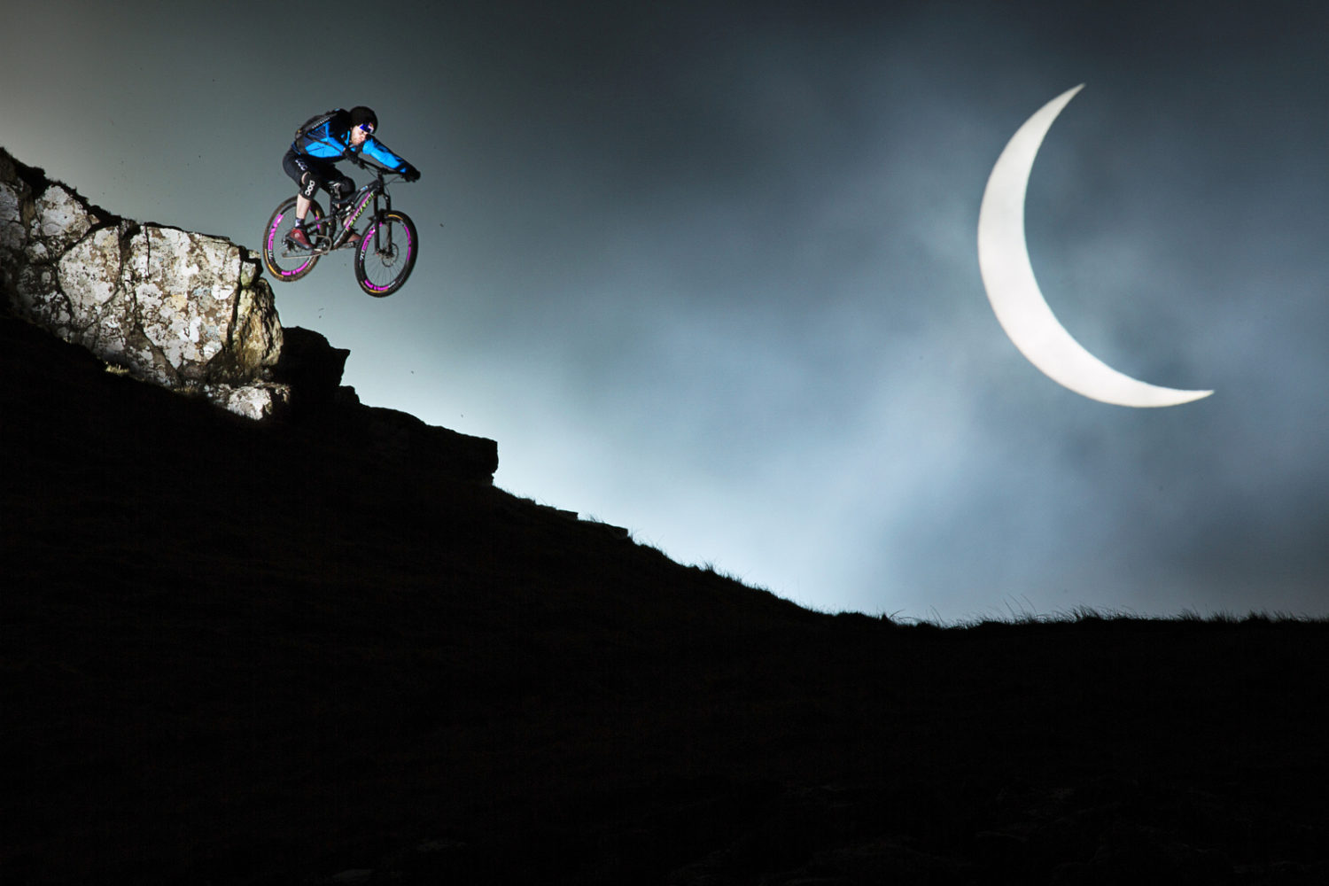 Astrophotography In Action: 10 Sports Photos Shot Under Celestial Objects