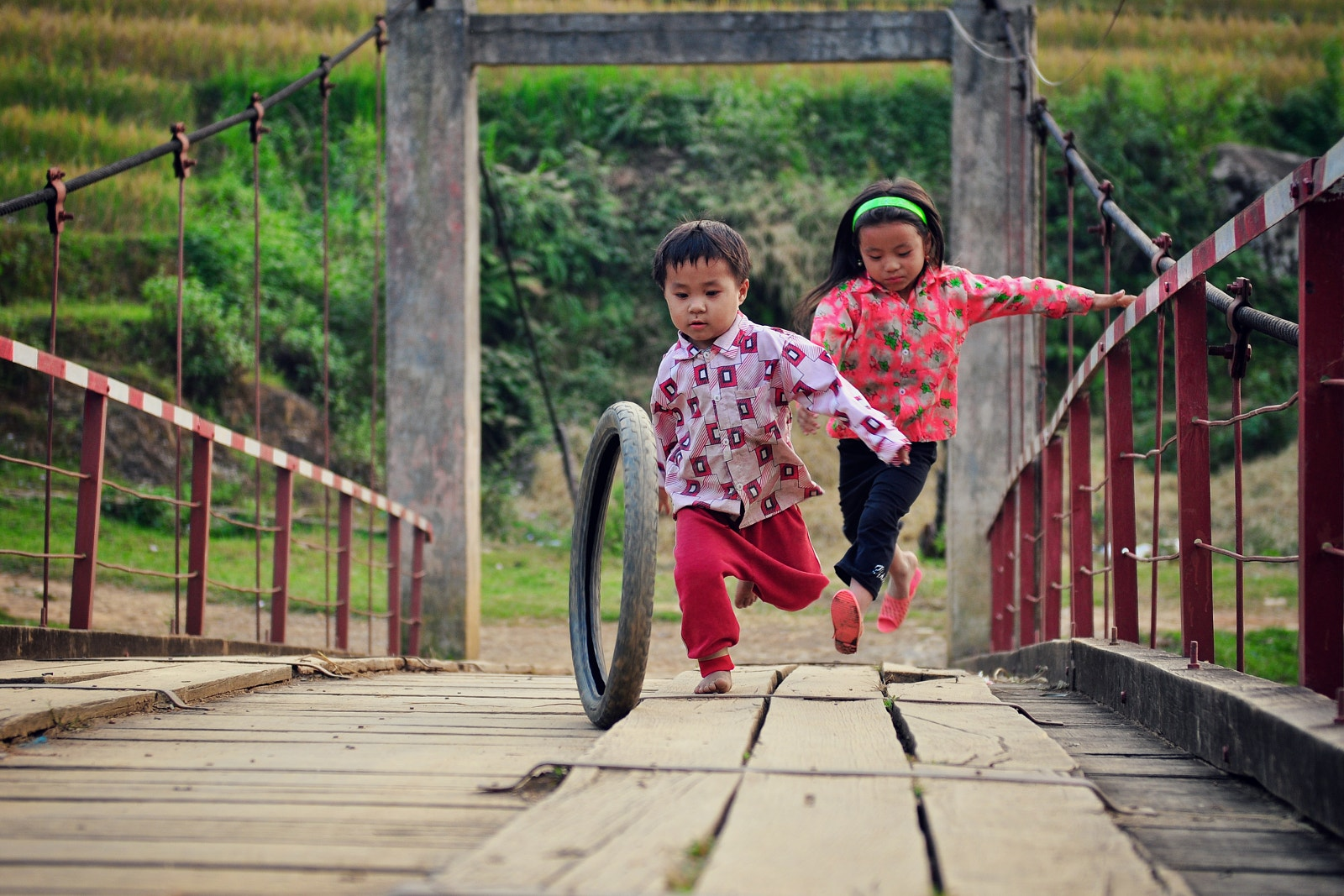 20 Photos that Celebrate Playing Outside