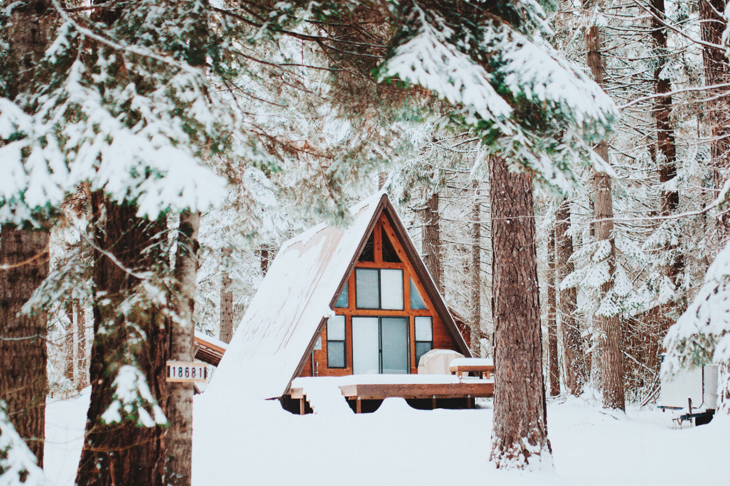 19 cozy winter cabins that make the cold enjoyable