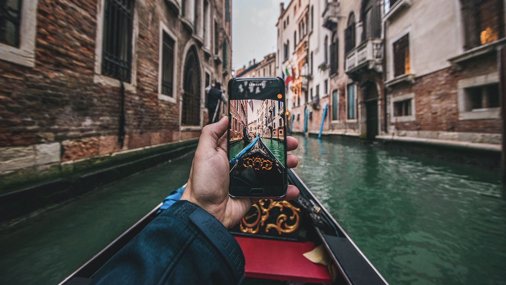 The best types of cell phone pics to submit to Licensing