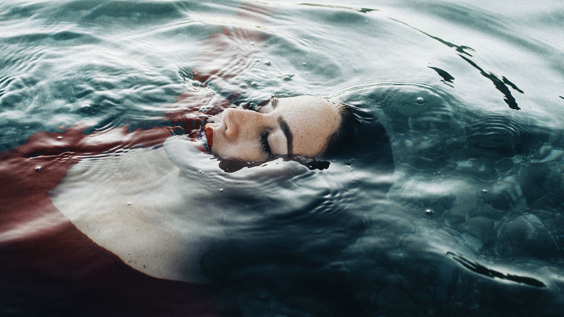 20+  Stunning images with complementary colors